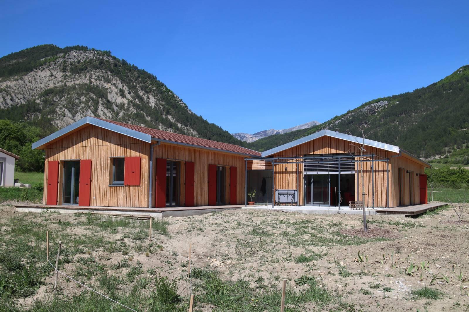 Maison en bois drome segu maison for Constructeur de maison en bois en drome ardeche