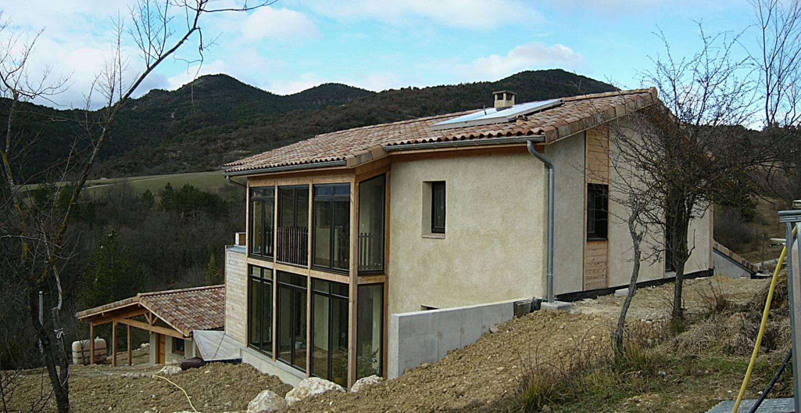 ... Ossature Bois En Paille à Saillans Dans La Drôme Couverture En Tuiles  Panneaux Photovoltaiques